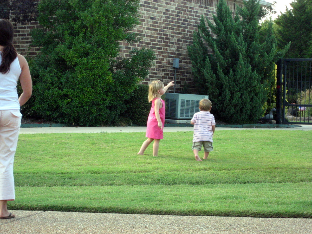 josh-sofia-sept-2009-outside-playing-9-7-2009-7-36-18-pm.JPG