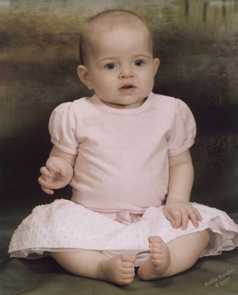 sofia-kiddie-kandids-6-months_1.jpg
