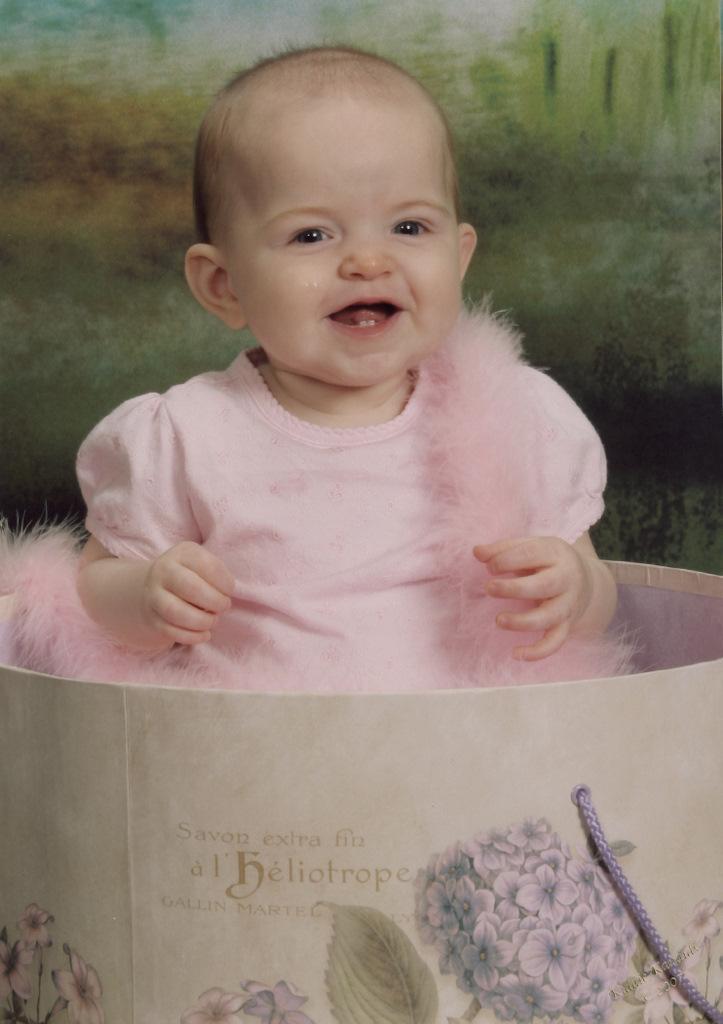sofia-kiddie-kandids-6-months_5.jpg